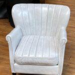 OpruimingVintage leder stoel Nina direct uit de fabriek Nu van € 725. p/s Voor € 125.p/st    2 stoelen nu €199-
